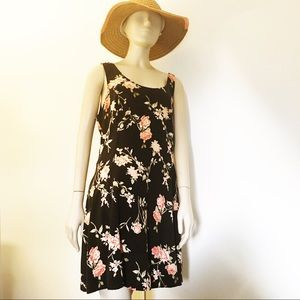 Forever 21 Plus 1X dress.Sleeveles Black floral